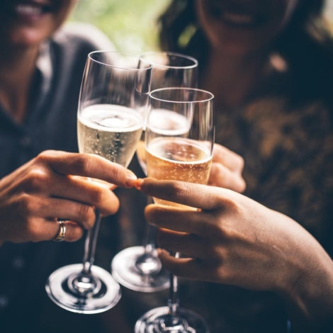 prosecco-cheers
